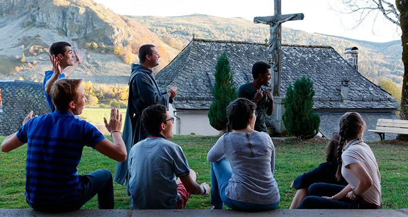 Camps jeunes à Murat avec les Frères de Saint-Jean