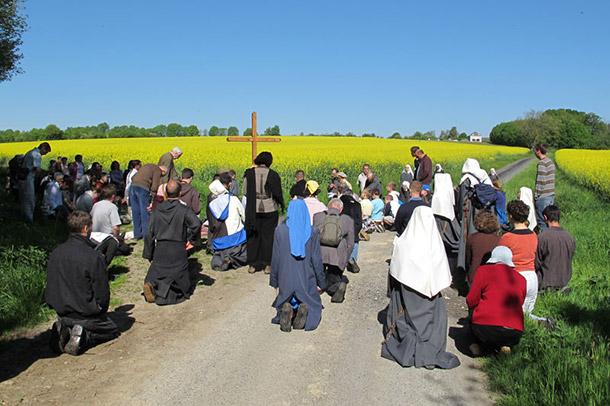Retraites à Pellevoisin avec les Frères de Saint-Jean