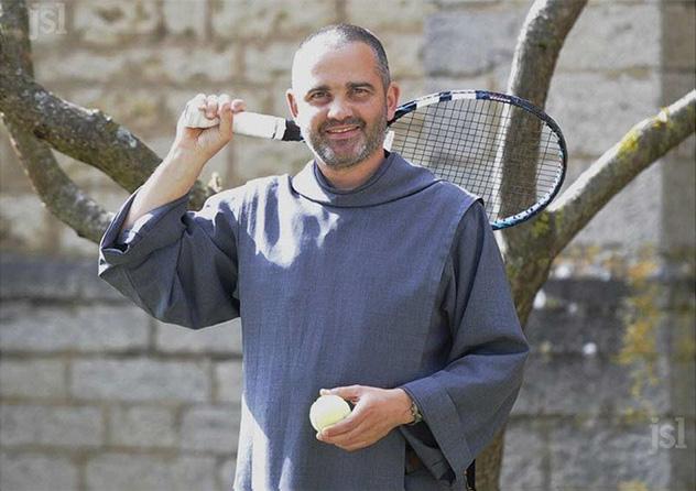 Frère Gaétan vice champion de tennis de Saône et Loire