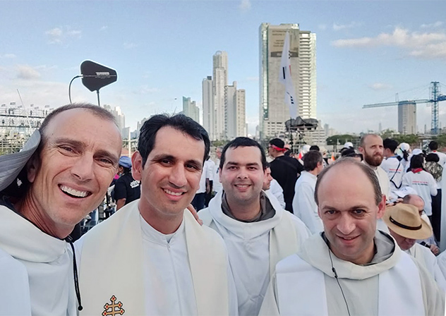 Frères de Saint-Jean aux JMJ de Panama