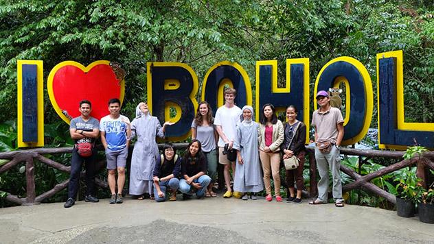 L'école de vie de Cebu en mission à Bohol