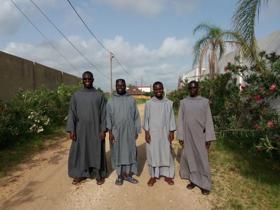 Frères de Poponguine